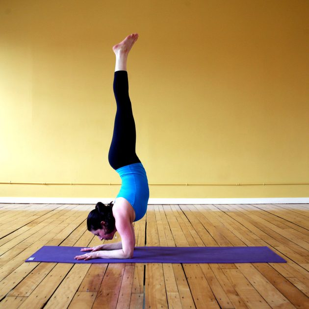 Handstand Forearm-Stand