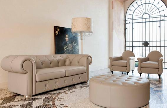 Мягкая мебель бежевого цвета